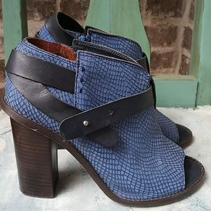 SixtySeven Snake Skin Leather Ankle Booties